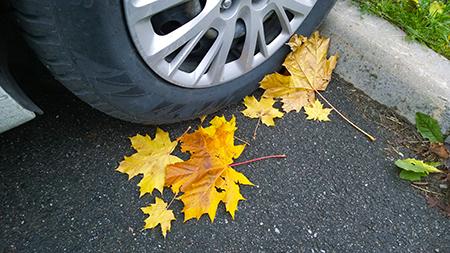 Car tyre check